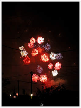 Arakawa river fireworks, viewed from Warabi, August 2, 2003: click for gallery