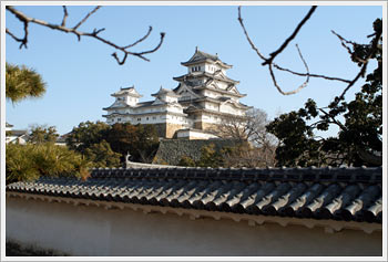 Himeji Castle, January 1, 2006: click for larger