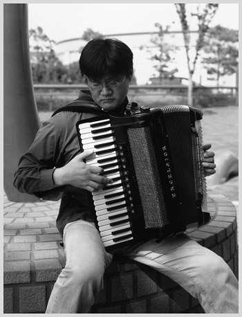 Kiyoshi and accordion